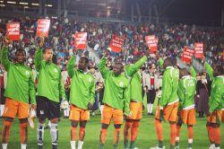 Antirassismusaktion bei Länderspiel Österreich - Cote d'Ivoire am Beginn der FARE Aktionswoche 2007. (Foto: FairPlay/Kurt Wachter)