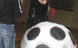 SMS Hadersdorf präsentiert ihren Riesenfußball