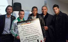 Spieler mit unterschriebenem Antirassismusstatement