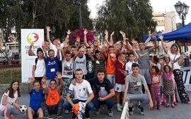 Football Zajedno Mini-Van Tour Gruppenfoto in Novi Pazar